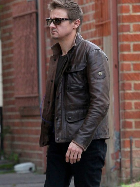 JEREMY RENNER STYLISH BROWN LEATHER JACKET AT L.A RESTAURANT